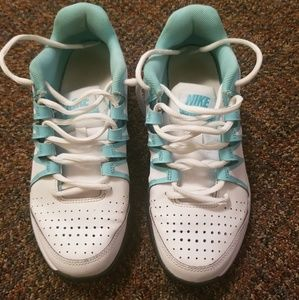 NIKE Vapor Court Womens Shoes Size 7.5